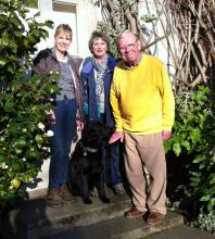Sally, Venetia, David and Jackson the Flat-Coated Retriever